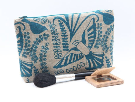 Jane Hayden Toiletry bag. Trying to buy a gift for a wife, girlfriend, sister, daughter or friend? Get her something original that was created and made in Ireland by skilled Irish craftsmen and designers.